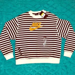 NWT! Nike striped crewneck